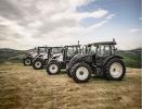 Тракторы Valtra T154 и T234 доступны в комплектации Redline
